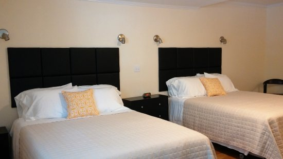 Room With Two Queen Size Beds Picture Of Rhinebeck Motel