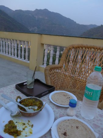 Seventh Heaven Inn Rishikesh: Roof terrace