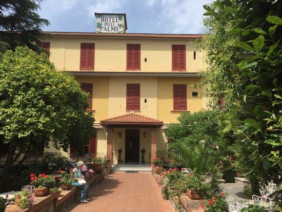 Hotel Delle Palme: Front of hotel