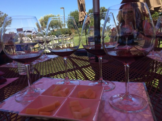 Wild Horse Winery & Vineyards: Pinot on the patio