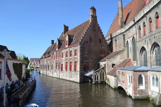 Hotel Ter Brughe: A cruise along the canal