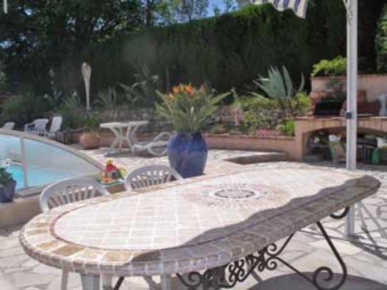 Peymeinade, Frankrike: terrasse piscine