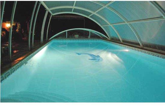 Peymeinade, Frankrike: piscine nuit