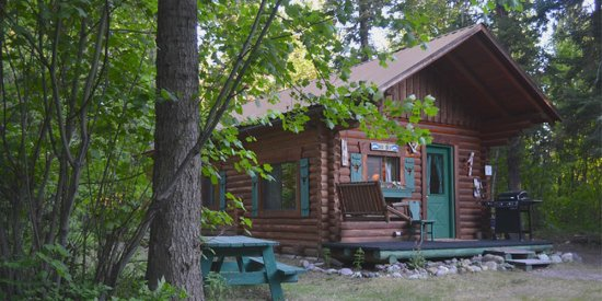 Swan Lake Cabins : Cabin Photo Exterior