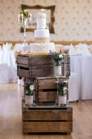 Four Seasons Hotel and Leisure Club: Four Seasons Wedding Cakes