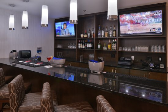 Wyndham Garden Greenville Airport: Lobby Bar