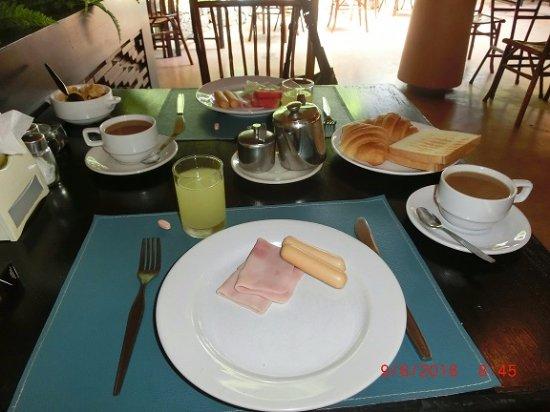 Loma Resort & Spa: Frühstück ist reichhaltig