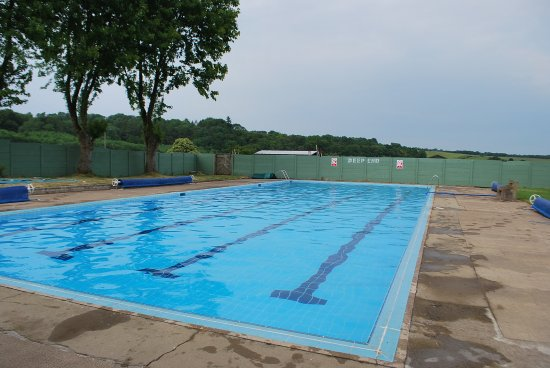 ‪Helmsley Open Air Swimming Pool‬