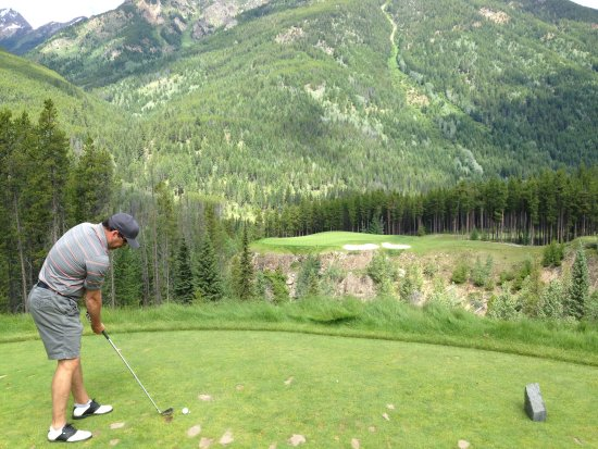Greywolf Golf Course: The Cliffhanger 6th