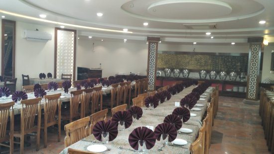 New look of the restaurant at Joshi Resort agra