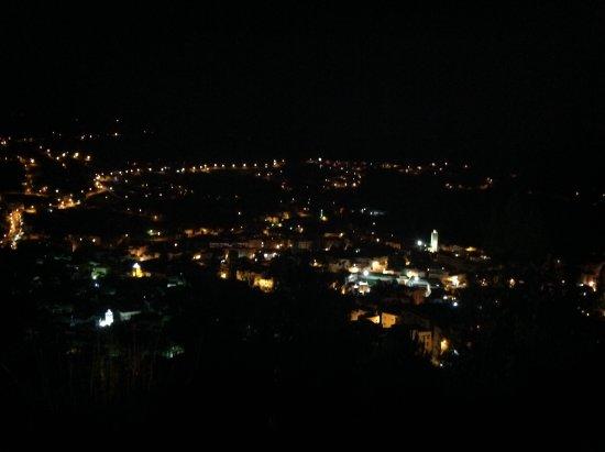 Hotel Atlas Chefchaouen: Uitzicht vanuit kamer in de avond
