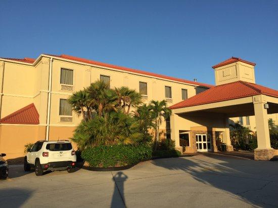 Best Western Plus Bradenton Hotel & Suites: Vista externa (entrada)