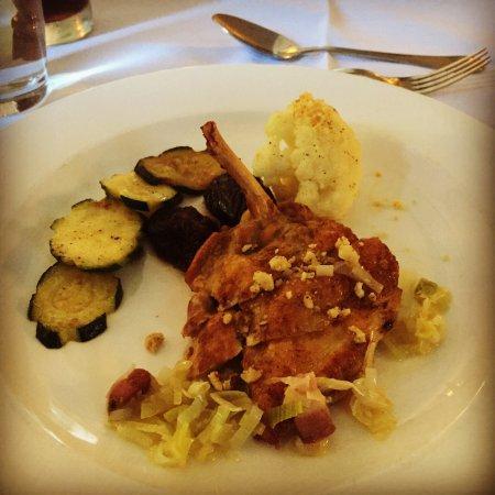 The Grasmere Hotel Restaurant: photo2.jpg