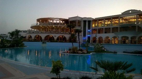 Atrium Prestige Thalasso Spa Resort and Villas: Restaurants and front hotel view.