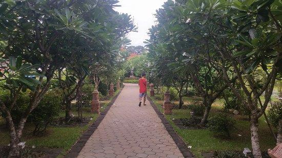 Angkor Palace Resort & Spa: 20160626_100820_large.jpg