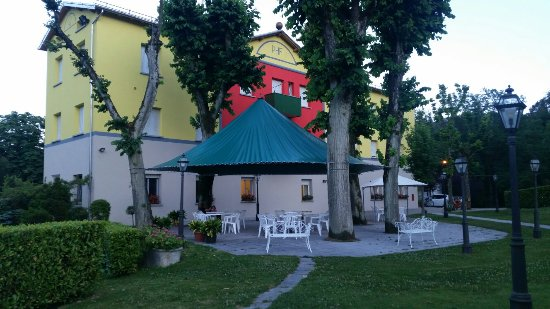 20160626_210331_large.jpg - Picture of Park Hotel Fantoni, Tabiano ...