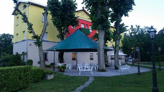 20160626_210305_large.jpg - Foto di Park Hotel Fantoni, Tabiano ...