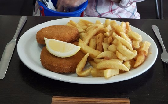 The Ilfracombe Fryer: fishcake and chips