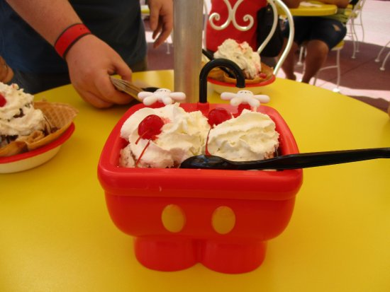 mickey kitchen sink - Picture of Plaza Ice Cream Parlor, Orlando ...