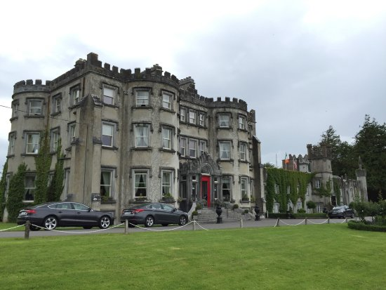 Ballyseede Castle: photo0.jpg