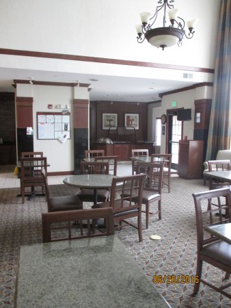Staybridge Suites South Bend - University Area : Dining Area