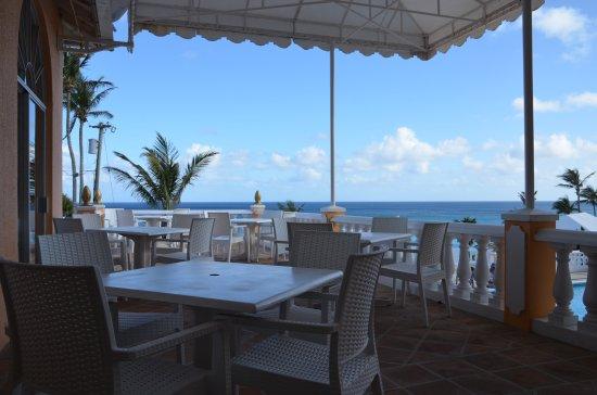 Coco Reef Resort Bermuda: La Vista Terrace