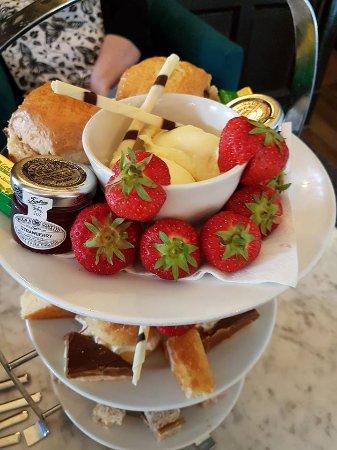 Warner Leisure Hotels Alvaston Hall Hotel: Afternoon Tea