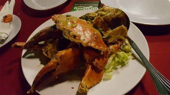 Bert's Garden Seafood Medan Ikan Bakar Batang Tiga: Salted Egg Crab