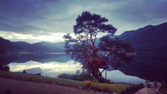 Loch Goil, UK: We had dinner in that!!!