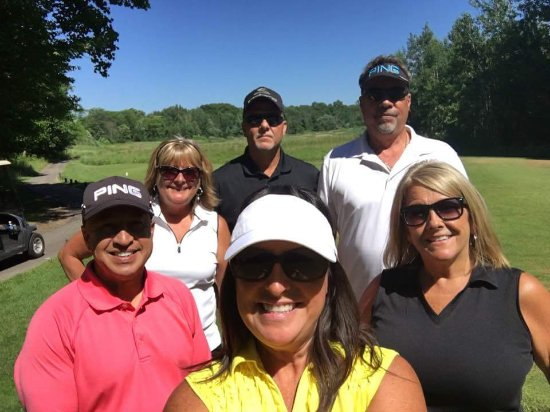 Saugatuck, MI: Selfie before the guys tee off on the first hole.