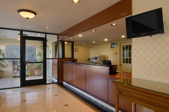 Red Roof Inn Victorville : Lobby