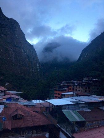 Taypikala Hotel Machupicchu: Morning mountain mist