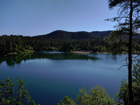 Goldwater Lake: Cool off in the pines when it's hot
