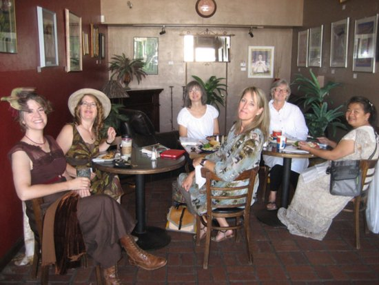 Modesto, Kaliforniya: Our Book Club comes here often