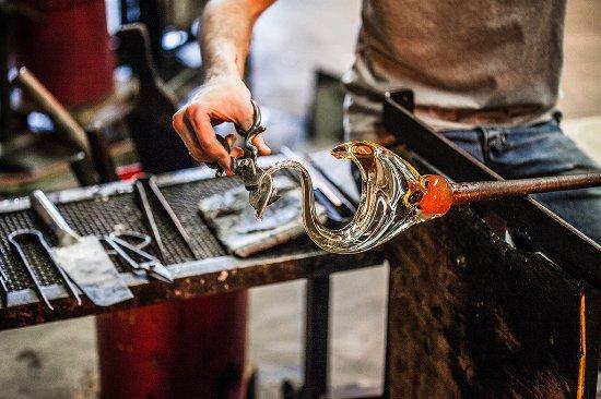Монреаль, Канада: Verre sculpté à chaud dans notre atelier