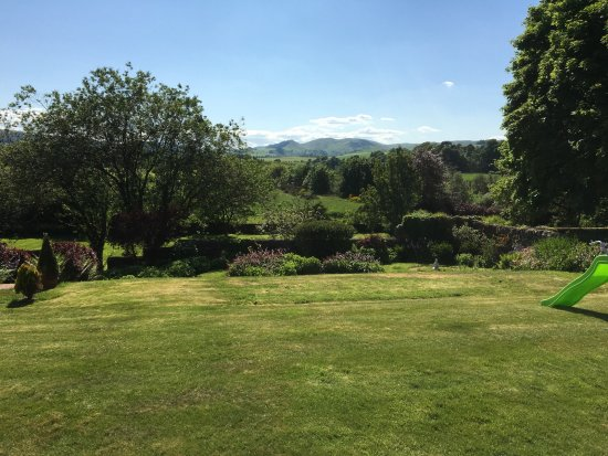 Thornhill, UK: View of the garden from the patio