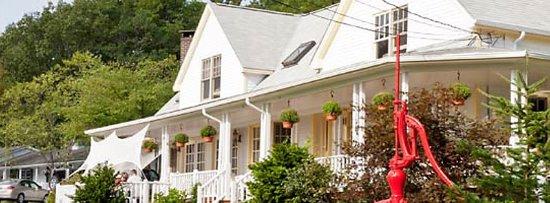 Mount Battie Motel : The Main House