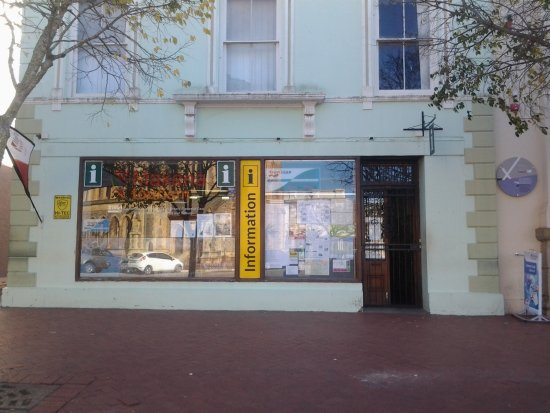 Grahamstown, Южная Африка: Street frontage