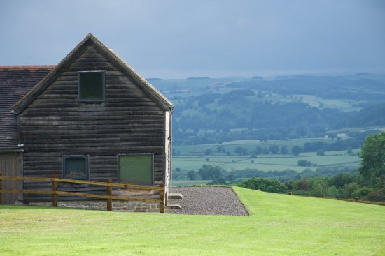 Downton on the Rock, UK: Wassell Barn Approach