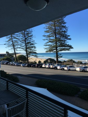 Coolum Beach, أستراليا: 1st floor balcony looking North