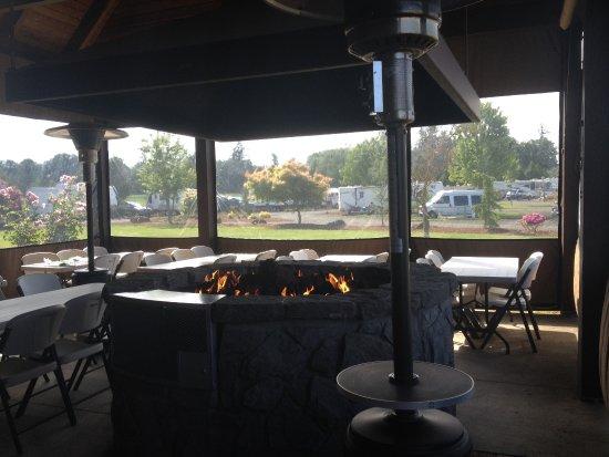 Silver Spur RV Park: Silver Spur's wonderful firepit!
