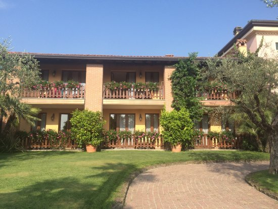 Tolle bananenpflanze am pool bild von residence hotel for Tolle hotels