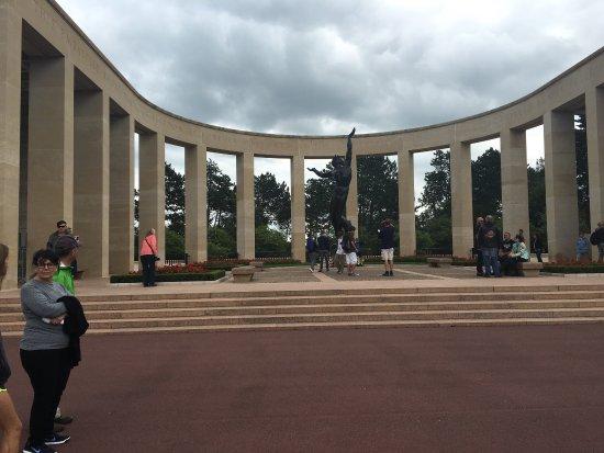 Normandy American Cemetery & Memorial (Amerikanischer Soldatenfriedhof): photo0.jpg