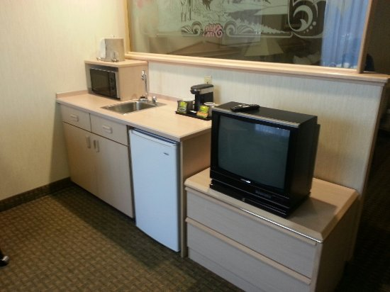 Shilo Inn Suites Hotel - Portland Airport: 20160628_152840_large.jpg