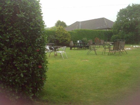 Ardshiel Hotel: Back garden.