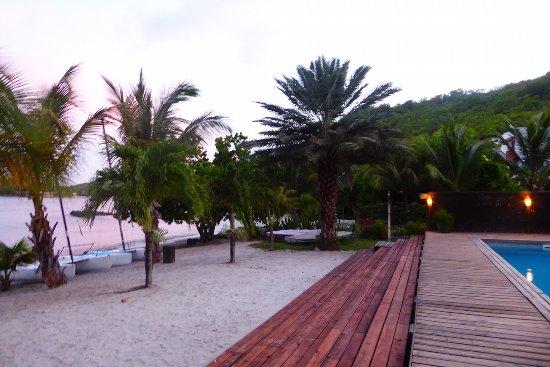 Petite Calivigny, Grenada: Beach Front Pool