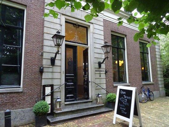 Terras t broekerhuis;broek in waterland foto van het broeker huis