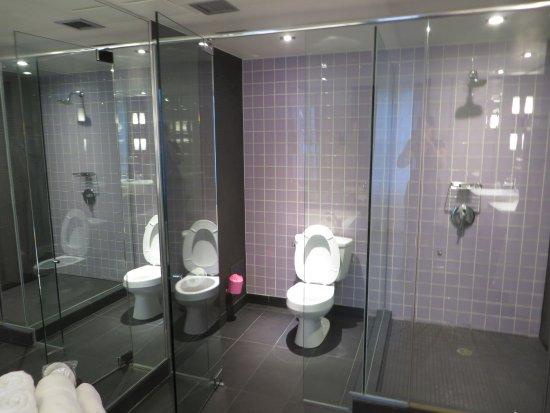 Suite 2116 chez Dédé / Salle de bain - Picture of Hotel 10, Montreal ...