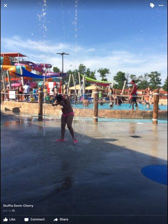 East Hanover, NJ: My baby loves the pop up sprinklers at splashplex💦💦😅😂😂