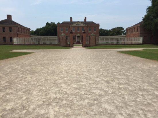 North Carolina History Center - Tryon Palace: Exterior entranceway Tryon Palace